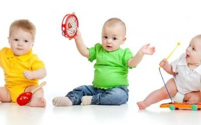 Música promove a formação do desenvolvimento do cérebro infantil.