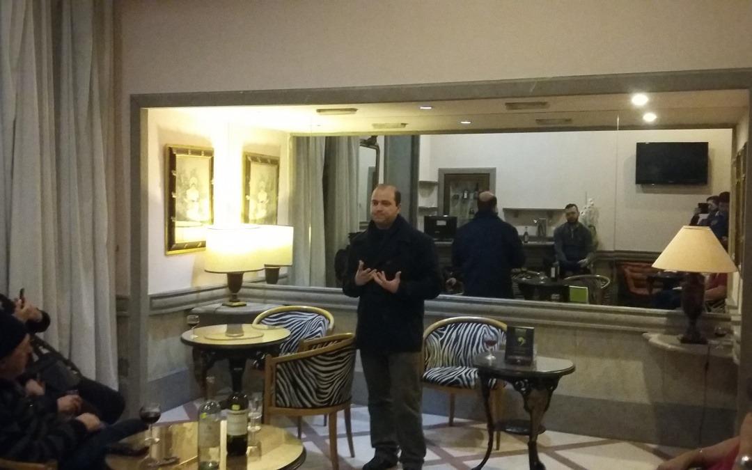 """O Maestro Dante Mantovani lançou seu livro """"Ensaios Sobre a Música Universal"""" na Europa, em Roma, capital da Itália."""
