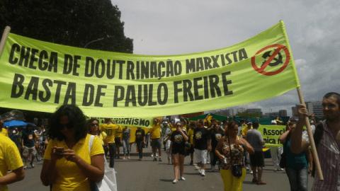 Gramsci, Paulo Freire e a batalha da linguagem: nosso declínio começou com a deturpação das palavras